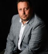 A Booking.com korábbi vezetőjét igazolta egy magyar startup